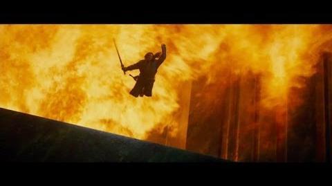 """EL HOBBIT LA DESOLACIÓN DE SMAUG - Fuego 30"""" Doblado HD - Oficial de Warner Bros"""