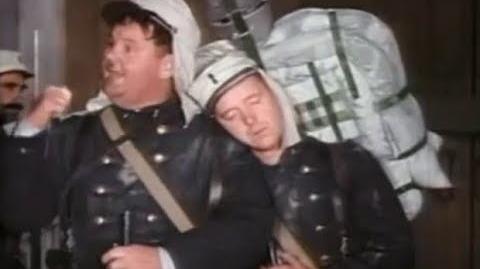 Pelotón de Enamorados - 1931 - COLOR - LATINO - El Gordo y El Flaco