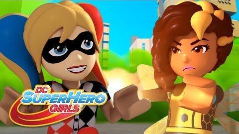 Locos y Confundidos LEGO DC Super Hero Girls