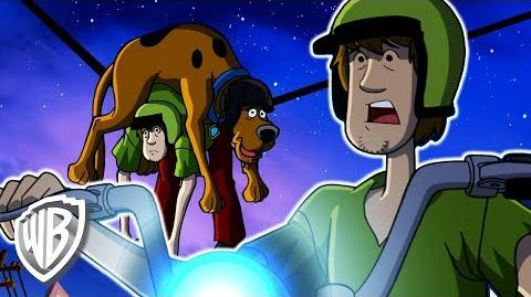 Scooby-Doo! Latino America Chase de la motocicleta de Shaggy WB Kids