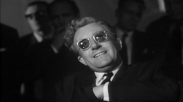 Dr Strangelove (1964) Mein Fuhrer, puedo caminar (Español Latino)