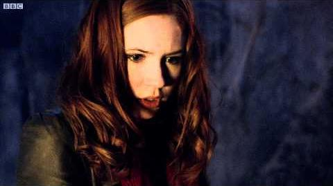 Amy_vs_Cyberman_-_Doctor_Who_-_The_Pandorica_Opens_-_BBC