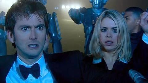 Surrounded_by_the_Cybermen_-_Rise_of_the_Cybermen