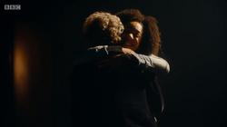 Bill abraza al Duodécimo Doctor.