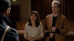 Clara le confiesa a Danny la verdad sobre el Doctor