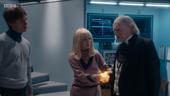 Con Ben y Polly, el Primer Doctor nota que su regeneración está por venir.
