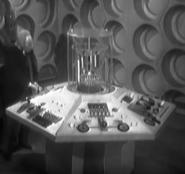 003 Konsole der TARDIS