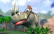 Diddy sobre Rambi Gigante - Donkey Kong Racing