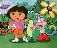Dora-Isa-and-Boots-hugging