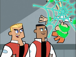 S01e03 Dash and Dale admire bullying