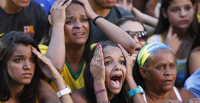 Brazil soccer wcup chile.jpg