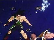 Bardock luchando en el espacio