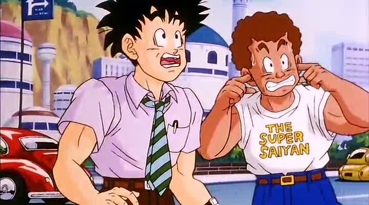 """Hombre con la remera """"The Super Saiyan"""""""