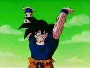 Goku haciendo la genkidama contra freezer