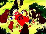Goku junto a los monos