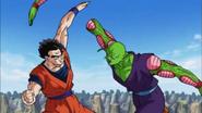 DBS ep88 Gohan arranca el brazo de Piccolo