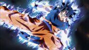 Goku atacando a Jiren