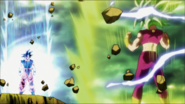 Goku y Kefla aumentan su poder