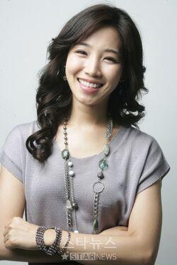 Lee Yoo Ri8.jpg