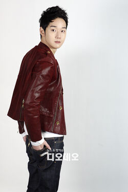 Kang Sung9.jpg