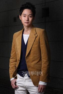 Kang Sung3.jpg
