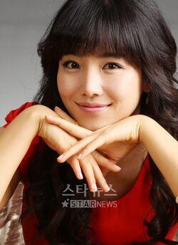 Lee Yoo Ri2.jpg