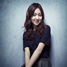 Choi Yoo Hwa15.jpg