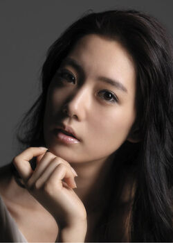 Lee Sung Min (1986).jpg