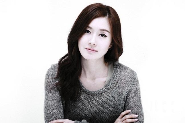 Kim Ji Soo.jpg