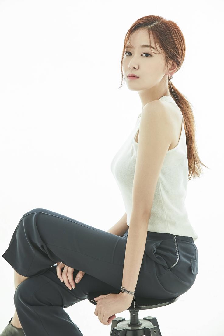Lee Ji Hye (1995)