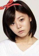 Yoon Ji Won001.jpeg
