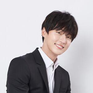 Yoon Shi Yoon28.jpg