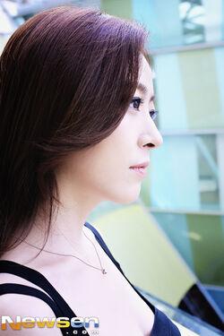 Shim Eun Jin10.jpg