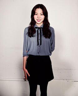 Yoon Ji Won4.jpg