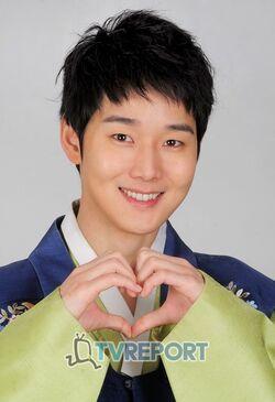 Kang Sung13.jpg