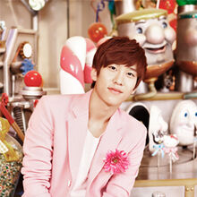 Hyunseong-pink santa.jpg