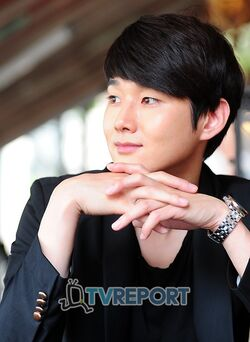 Kang Sung16.jpg