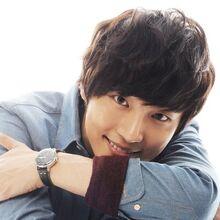 Yoon Shi Yoon16.jpg