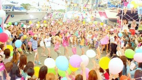 Girls' Generation - Love&Girls