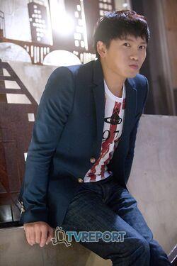 Ji Sung10.jpg