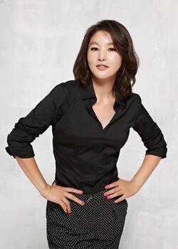 Park Ji Young3.jpg