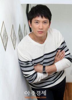 Ji Sung21.jpg