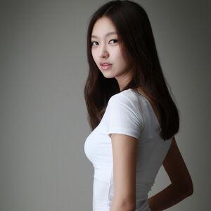 Choi Yoo Hwa6.JPG