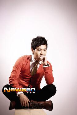 Suh Dong Won4.jpg