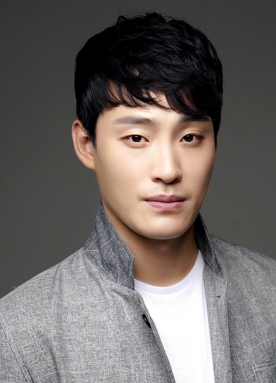 Han Kyu Won (1986)