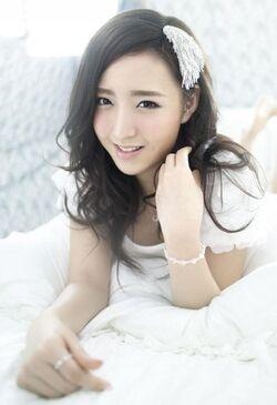 338px-Kim ye seul lottle girls 473951.jpg