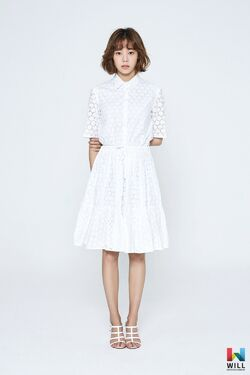 Yoon Ji Won10.jpg