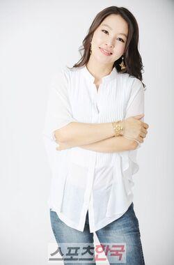 Park Ji Young1.jpg