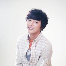 Yoon Shi Yoon22.jpg