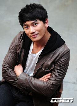 Ji Sung8.jpg